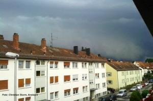 "Aufzug des Unwetters mit einer ""Shelfcloud"", Foto: Christian Sturm"