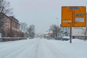 In und um Ansbach lagen mehr als 15 cm Schnee am Mittag des 18. März 2018. Foto: Harmens Karg