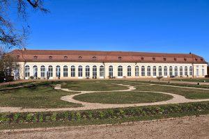 Frühlings-Sonnengenuss im Hofgarten in Ansbach im Hochwintermonat Februar. Foto: Hans-Martin Goede