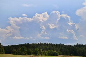entstehende Gewitterwolke am 1. August 2020. Foto: Hans-Martin Goede