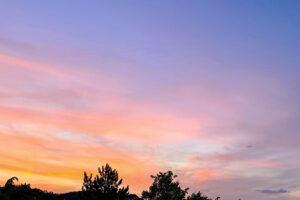 Der September 2021 war überaus sonnig - und hielt so manchen farbenprächtigen Sonnenuntergang bereit. Foto: Hans-Martin Goede